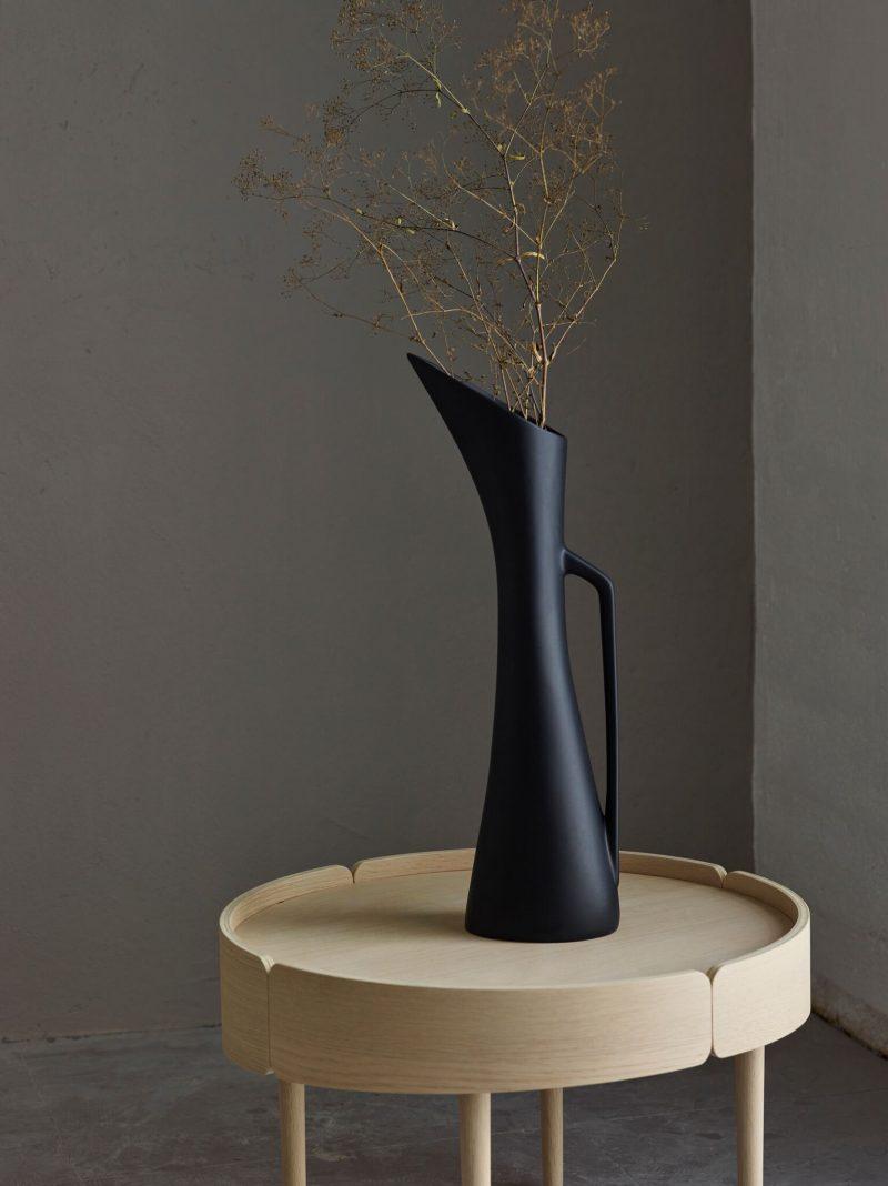 svart vas