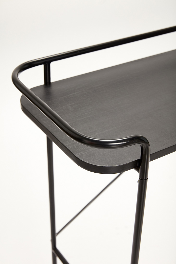Detaljbild konsolbord svart